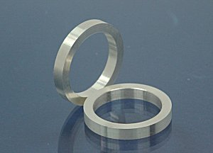 3mm wide / 2,2mm thickness